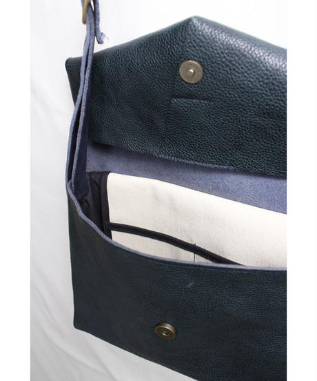 ac-20N4   navy letter bag