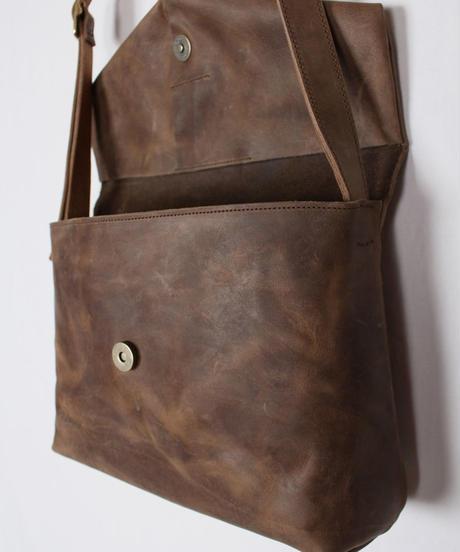ac-20B3   brown letter bag