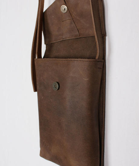 ac-21B3   brown slim letter bag