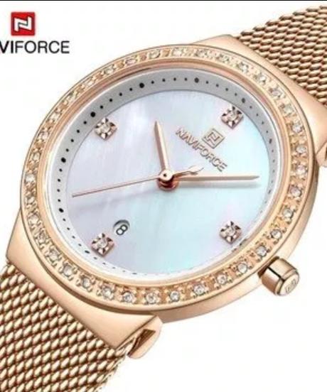 【全4色】 Naviforce新しいローズゴールド女性腕時計ビジネスクォーツ時計レディース中空アウトトップブランドの高級女性腕時計女の子時計