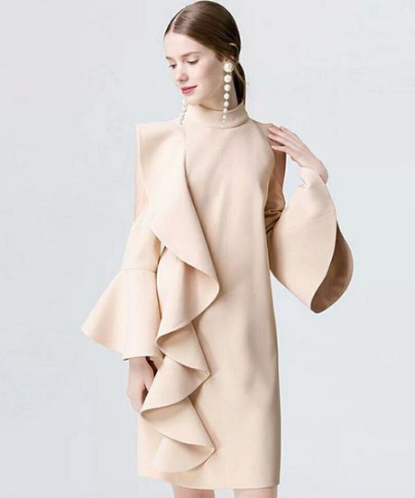 フリルドレス女性エレガント非対称デザインスタンドネックオフショルダーフレアスリーブパーティークラブドレス新しいファッションスタイル2018 1501