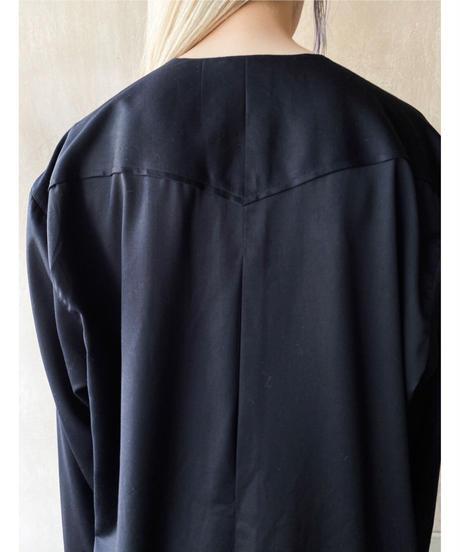 黒デザイン刺繍ステッチシャツ