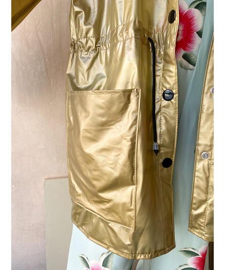 ゴールドビニールハット付きジャケット