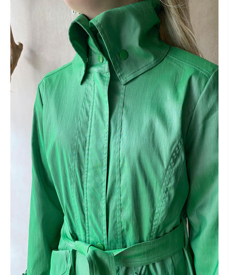 アップルグリーン バルーン裾コート
