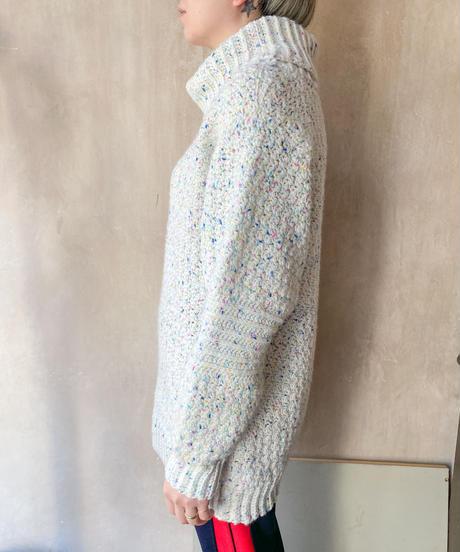 白カラフルぷつぷつセーター