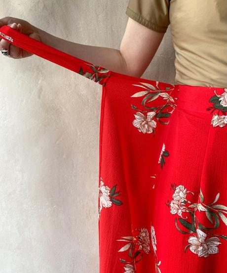 赤花巻きデザインパンツ