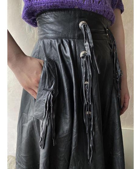 コンチョ付きレザースカート