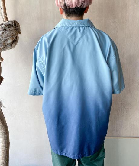 ブルーグレーグラデーションシャツ