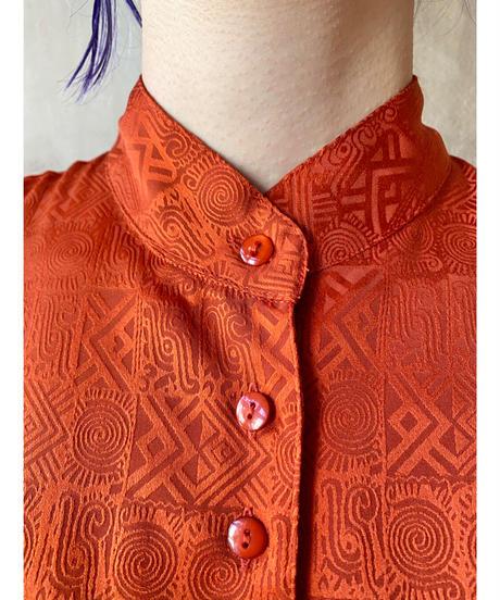 スタンドカラーフロントボタンデザインシャツ