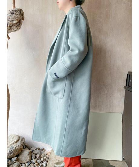 ペールくすみグリーンコート