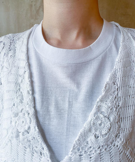 白レース付きTシャツ