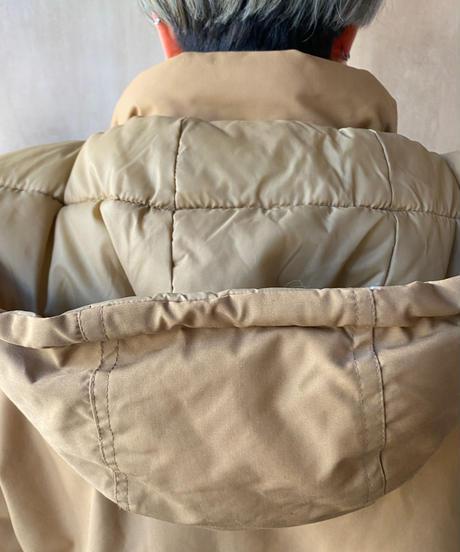 ベージュ中綿ジャケット