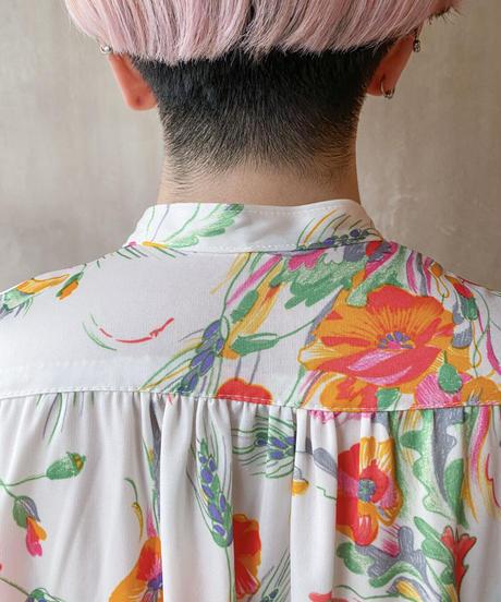 白オレンジ花柄ワンピース