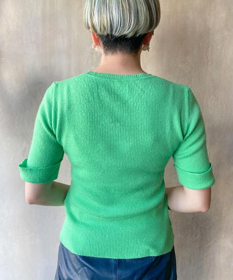 ネオングリーン半袖セーター