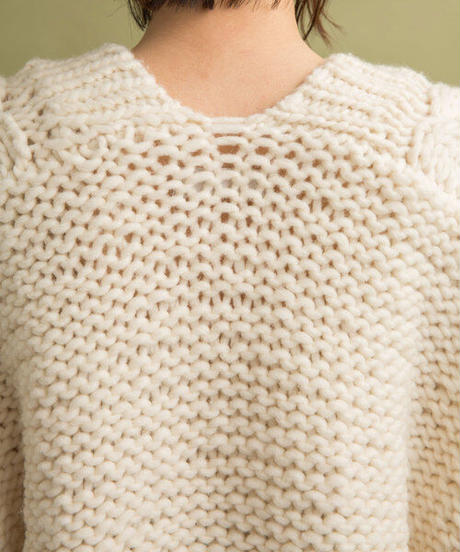 Hand knit cable cardigane/Light beige