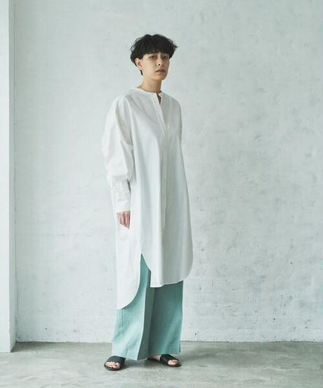 Band color shirts one-piece/White