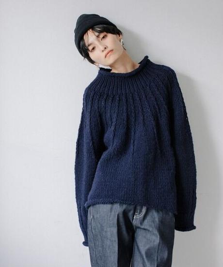 Hand knit pullover/NAVY