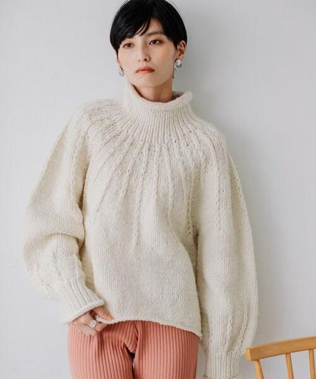 Hand knit pullover/ OFF WHITE
