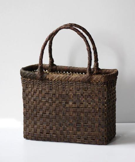 横幅26cm 底網代編み/市松平織 沢胡桃のかごバッグ   (クルミ/くるみ/籠)  オズのかごバッグ