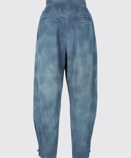 UNEVENLY DYED SATIN CARROT PANTS / NUIT BLUE