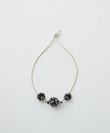【 eLfinFolk 2019AW 】elf-192A42 talisman necklace / ivory black bonbon