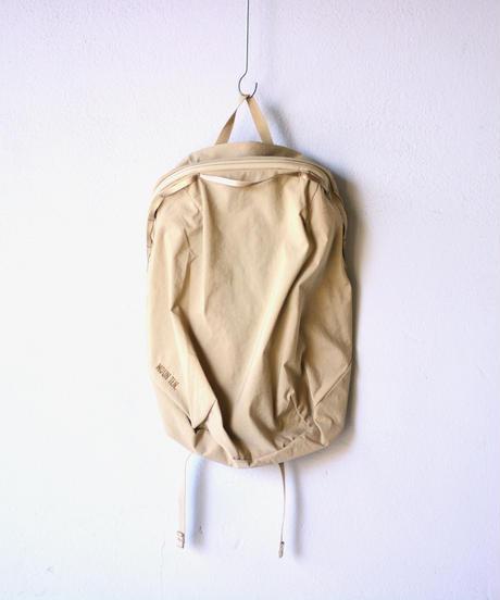 【 MOUN TEN. 2019AW 】daypack 18L / beige