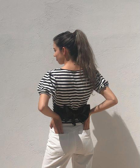 スクエアネックパフバックリボンTシャツ