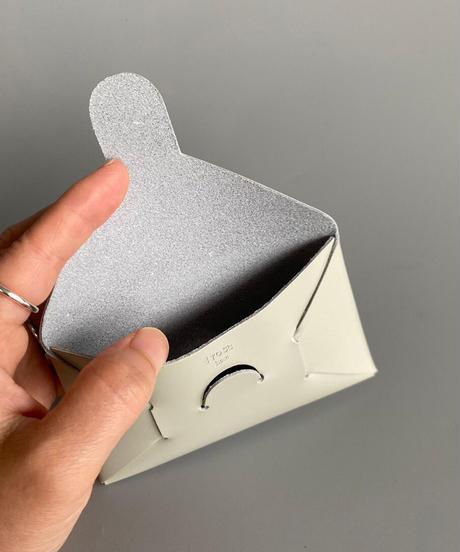 i ro se(イロセ) SEAMLESS カードケース GRAY