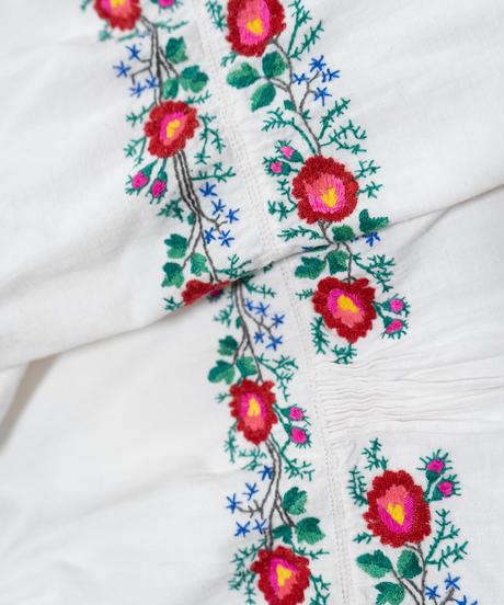 ポピー刺繍ワンピース