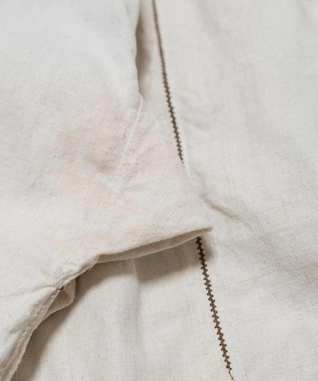 [訳あり]小さな苺刺繍ワンピース