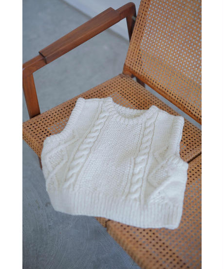 【10/30 20:00-release】cable handknit vest(ivory)