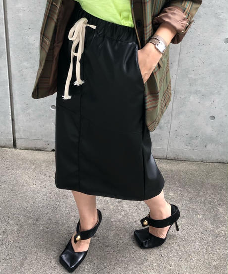 (select)フェイクレザースカート
