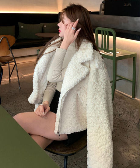 モコモコウールジャケット