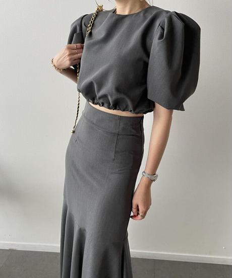シンプルパフスリーブトップス+ハイウエストフィッシュテールスカート