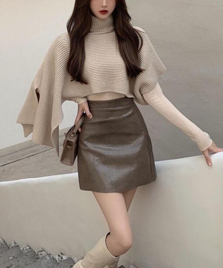 3点セット ポンチョ風ゆるニット+インナー+レザースカート