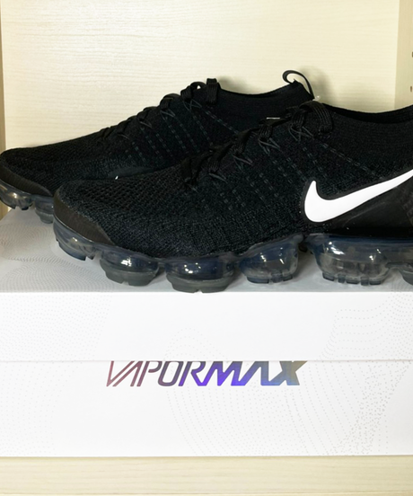 【送料込/最安値】新品NIKE VAPORMAX FLYKNIT 2 Black White
