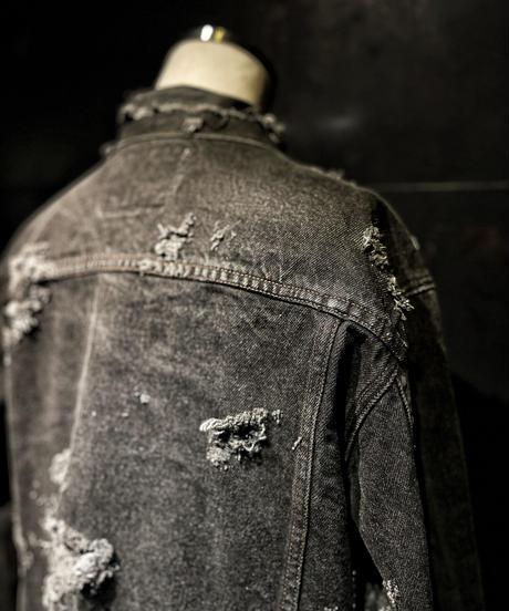 Vintage damage black denim jacket