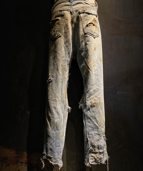 Hard damage vintage denim pants
