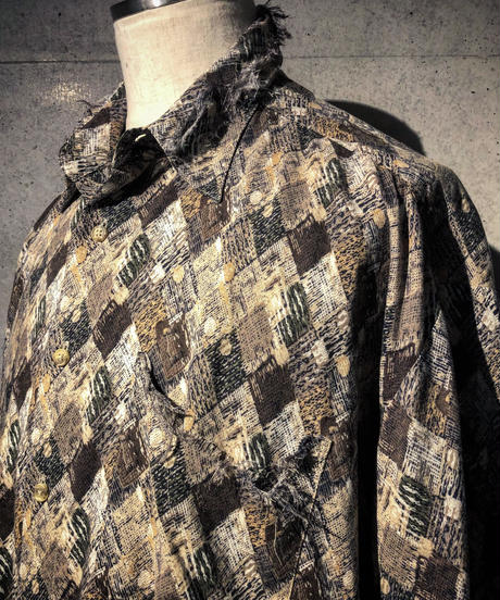 Pattern damage shirt