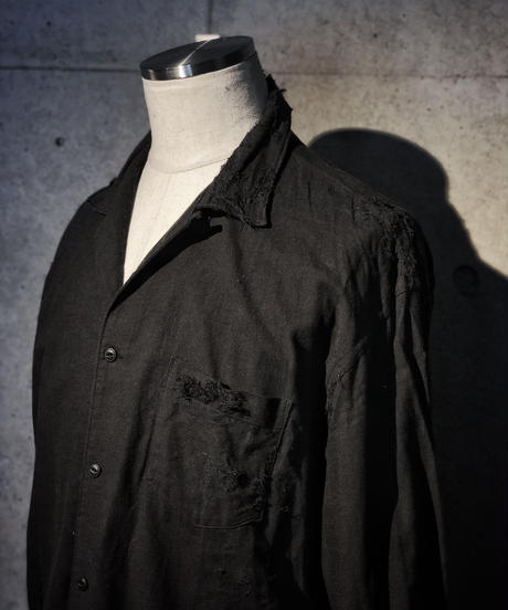 Black damage linen shirt