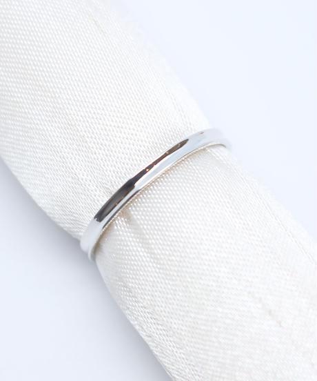 シャープな印象をプラスするなら、このリング!