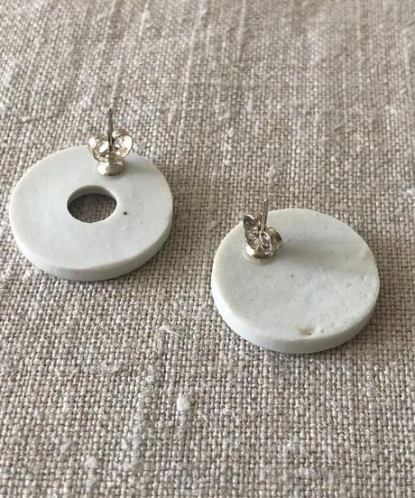 juju made / porcelain disk earrings / white
