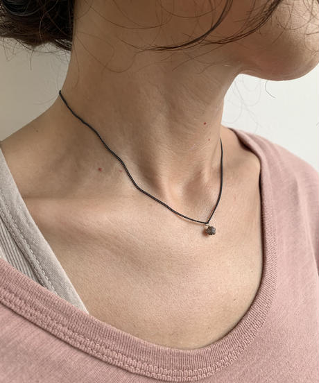 ishi jewelry / tiny  rough  diamond  necklace