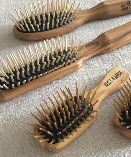 kostkamm /olive wood   hair Brushes / 17.5cm / 4527
