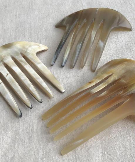 kostkamm / horn decorative comb  / 10cm x 10cm
