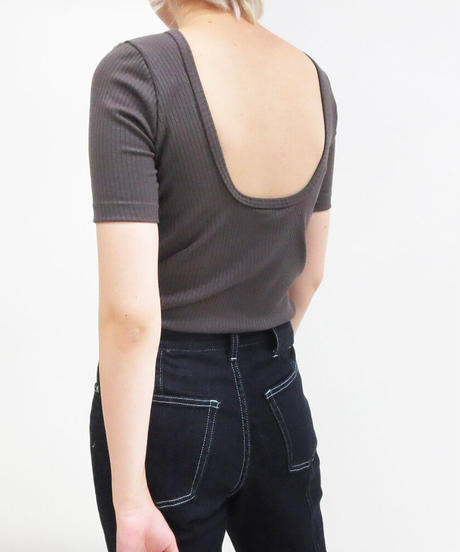 [21SS] BACK OPEN CUP IN T-SHIRT