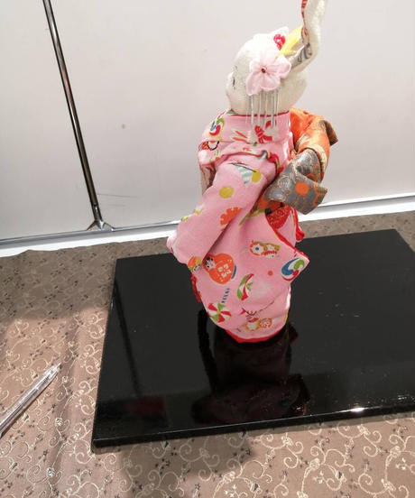 薄いピンクの着物が素敵なうさぎ人形