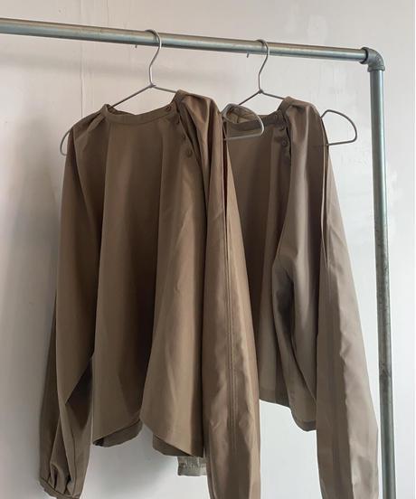 shoulder slit blouse