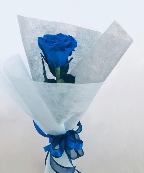 【プリザーブドフラワー/青い薔薇の祝福一輪ラッピング】