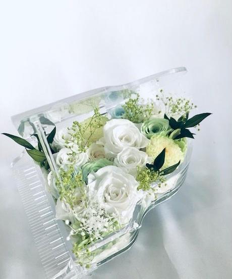 【プリザーブドフラワー/グランドピアノシリーズ】白い薔薇の静かな癒しの音色